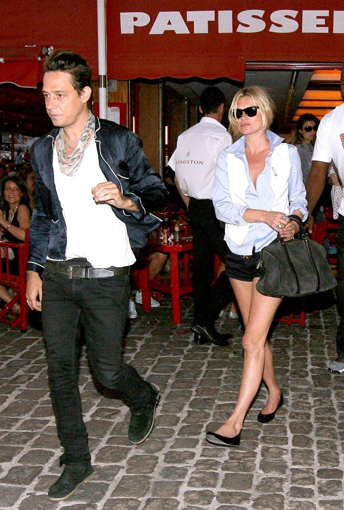 Photos : maintenant, c'est Kate qui court après son mec !