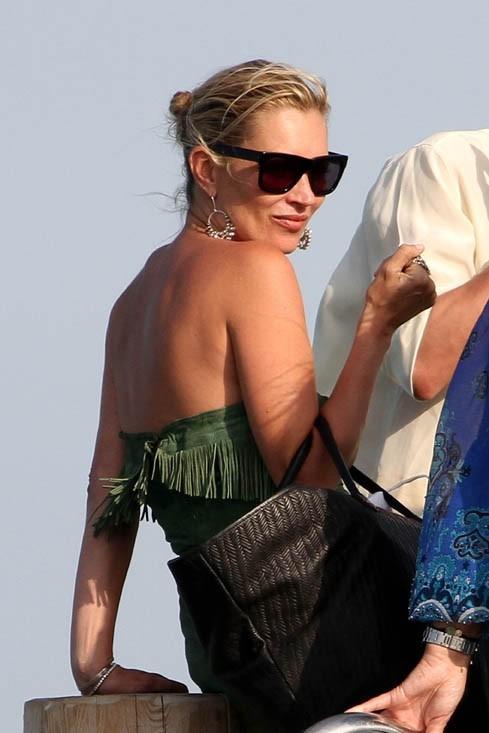 Cool et rock, Kate Moss à Saint-Trop '!
