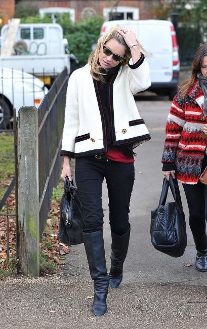 Kate Moss ultra lookée à Londres, le 30 novembre 2011.