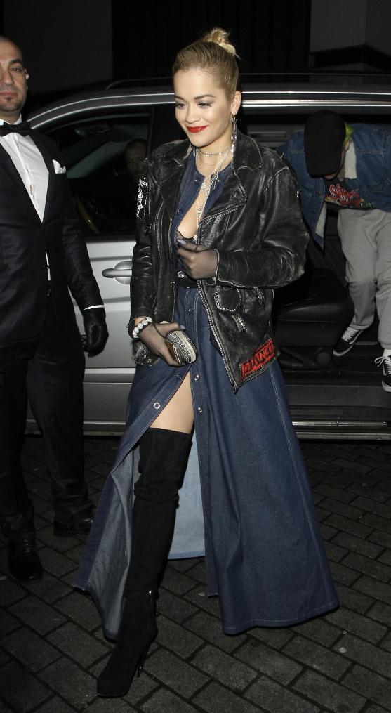 Rita Ora le 25 novembre 2014