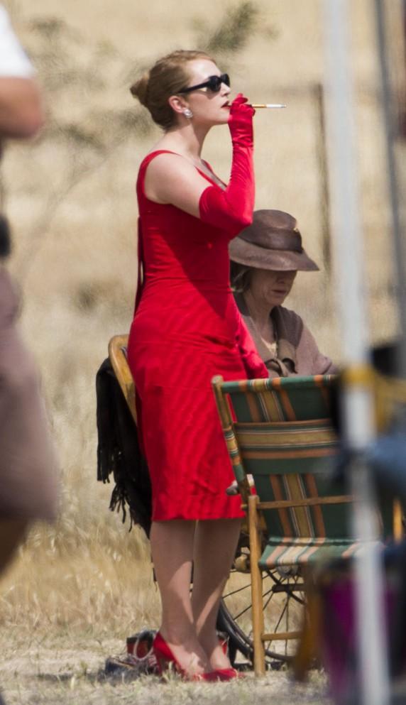 Kate Winslet et Liam Hemsworth sur le tournage de The Dressmaker en Australie le 10 décembre 2014