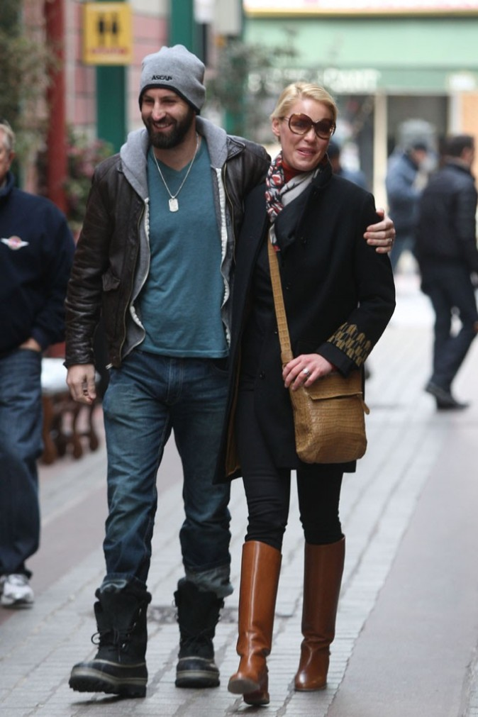 Josh Kelley et Katherine Heigl love to love à Paris !