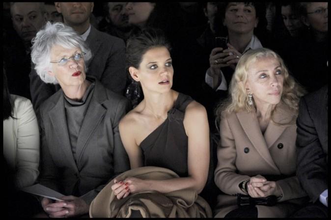 Kathleen Holmes, Katie Holmes et Franca Sozzani au défilé Max Mara à Milan, le 24 février 2011.
