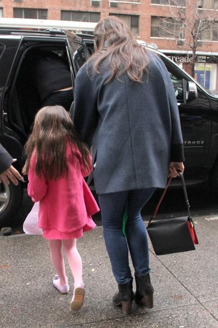 Katie Holmes et Suri Cruise le 18 décembre 2012 à New York