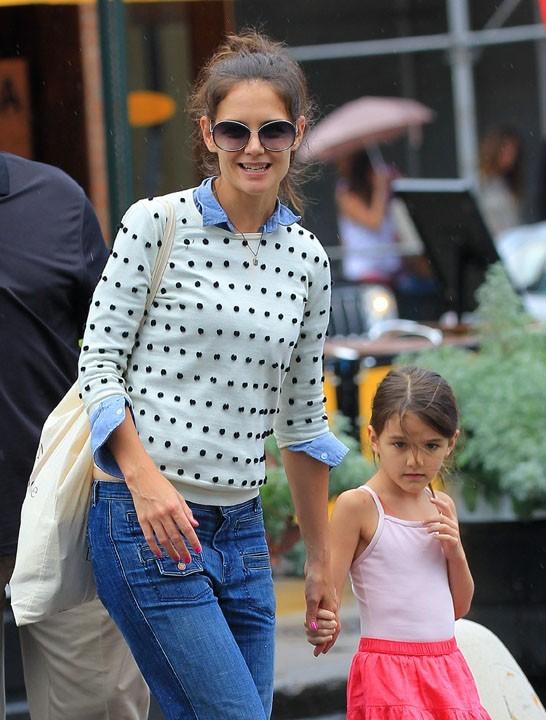 Katie Holmes et Suri dans les rues de New-York le 29 juillet 2012