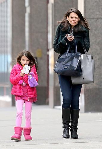 Katie Holmes et sa fille Suri à New-York le 9 février 2013