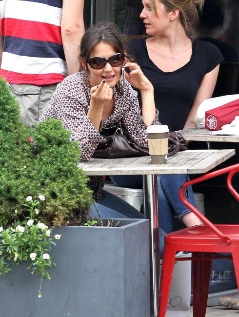 Katie Holmes dans un café de Soho, à New York, le 11 juin 2013