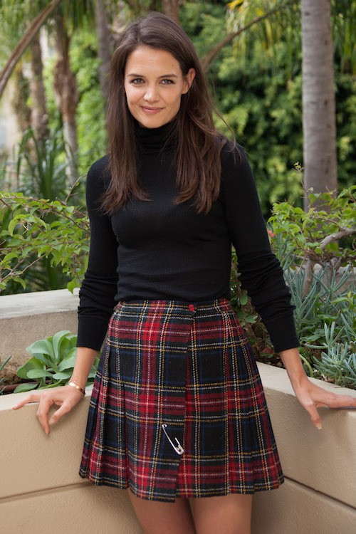 Photos : Katie Holmes : sexy en kilt, elle rajeunit !
