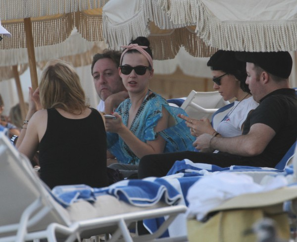Katy Perry en vacances à Miami, le 17 novembre 2013.
