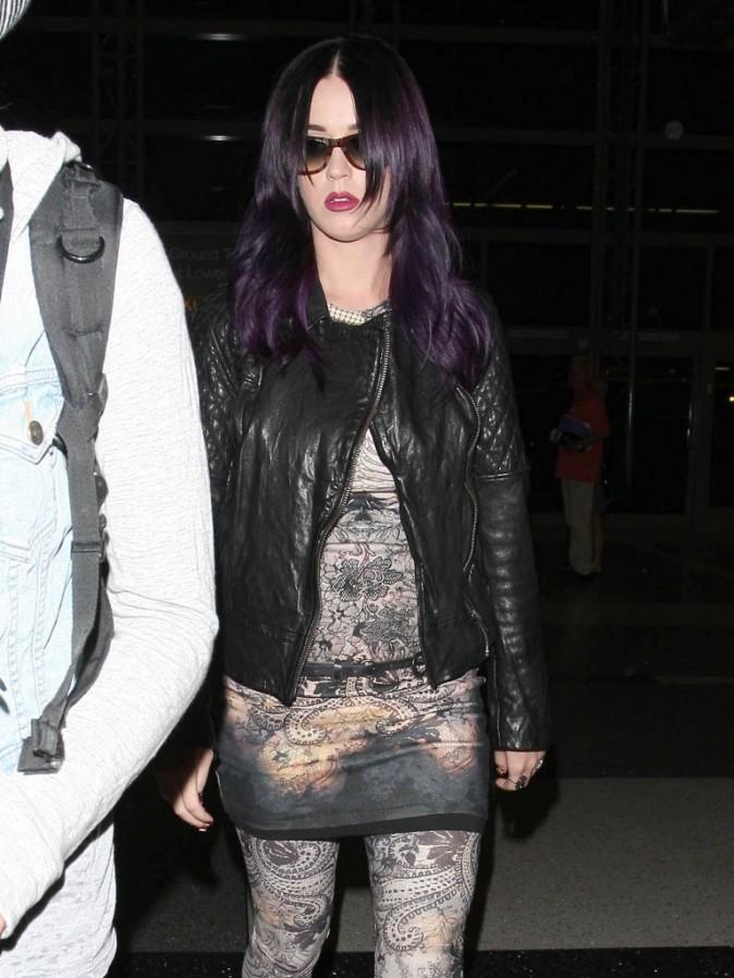 Katy Perry à l'aéroport de Los Angeles, le 27 juin 2012.