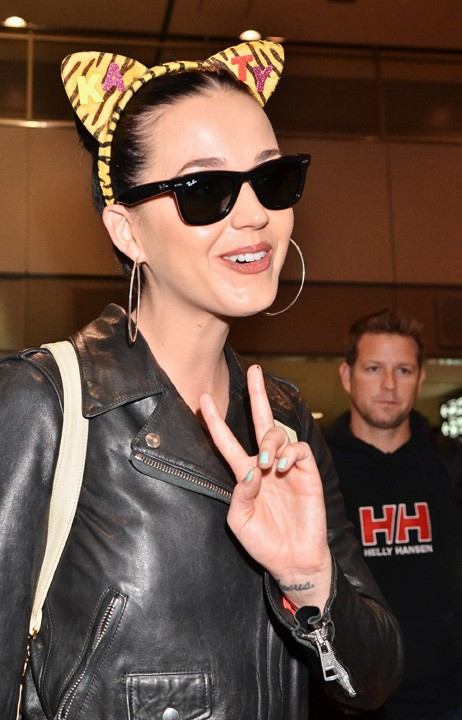 Katy Perry à l'aéroport Narita de Tokyo le 30 octobre 2013