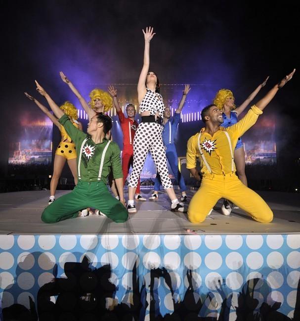 Katy Perry sur la scène du Capital FM Summertime à Londres, le 9 juin 2012.