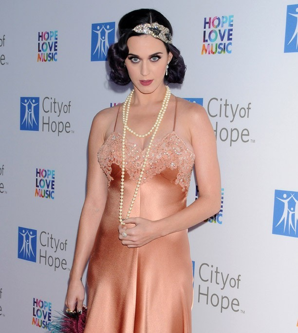 Katy Perry au au gala City of Hope le 12 juin 2012