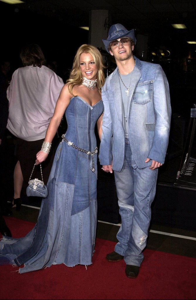 Britney Spears et Justin Timberlake aux VMA 2001