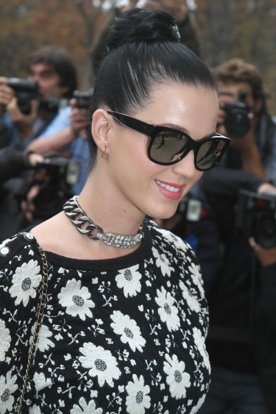 Katy Perry lors du défilé Chanel à Paris, le 1er octobre 2013.