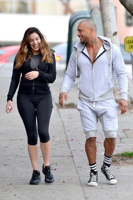 Photos : Kelly Brook : encore et toujours avec son boyfriend, le duo vend largement moins de rêve habillé !