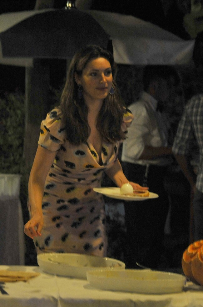 Kelly Brook le 11 juillet 2012 à Ischia
