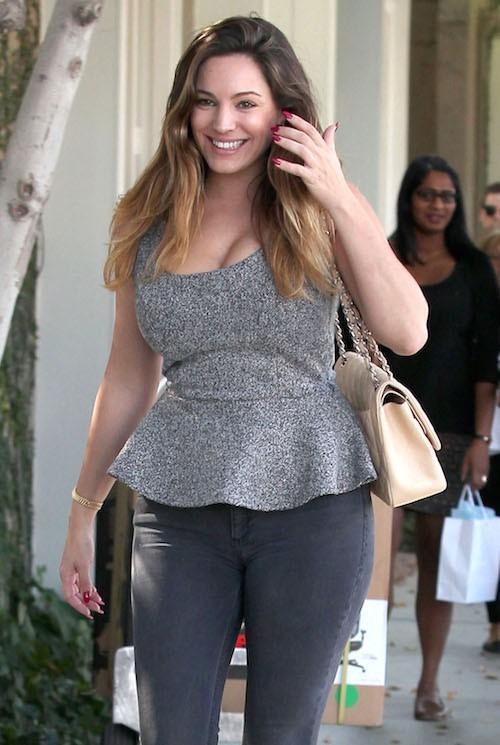 Photos : Kelly Brook : très en formes et en sourires pour une session shopping !