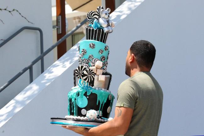 Gâteau de la baby shower de Fergie à Brentwood, le 28 juillet 2013.