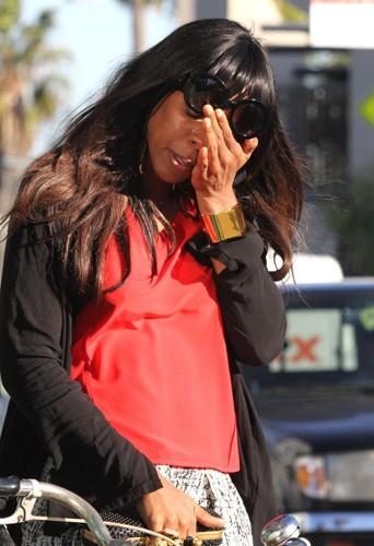 Photos : Kelly Rowland : aperçue en pleine crise de larmes dans les rues de Los Angeles !