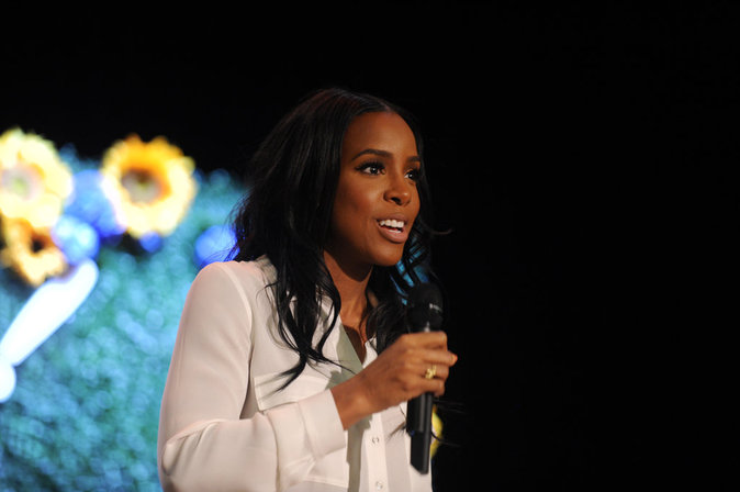 Kelly Rowland chante pour les enfants de New York