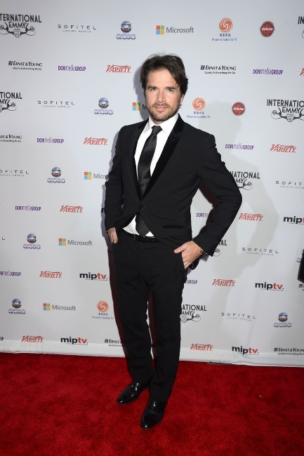 Matthew Settle lors de la soirée 40th International Emmy Awards à New York, le 19 novembre 2012.