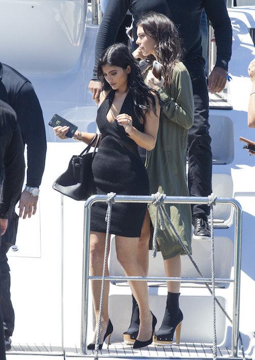 Photos : Kendall et Kylie Jenner : au top et un peu trop câlines en Australie !