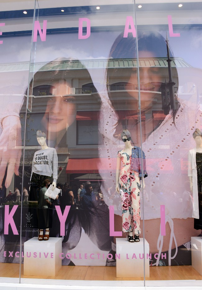 Lancement de la collection Jenner X TopShop à Los Angeles le 3 juin 2015