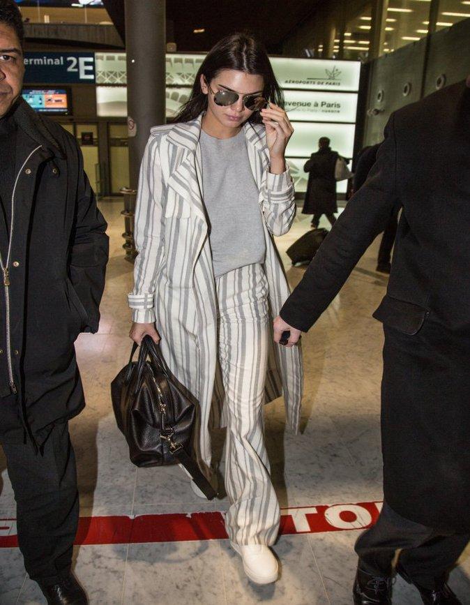 Kendall Jenner à la sortie de l'aéroport