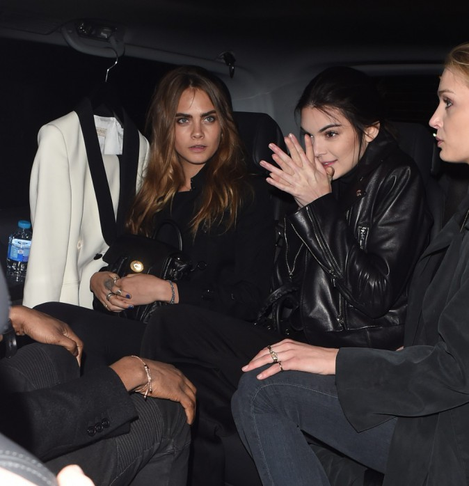 Photos : Kendall Jenner : beauté dark pour Giles, Cara Delevingne l'admire en front row !