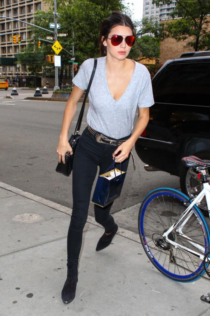 Kendall Jenner : Casual chic pour une journée shopping en solo !