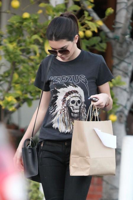 Photos : Kendall Jenner : Kanye West peut compter sur sa belle-soeur pour lui faire de la publicité !