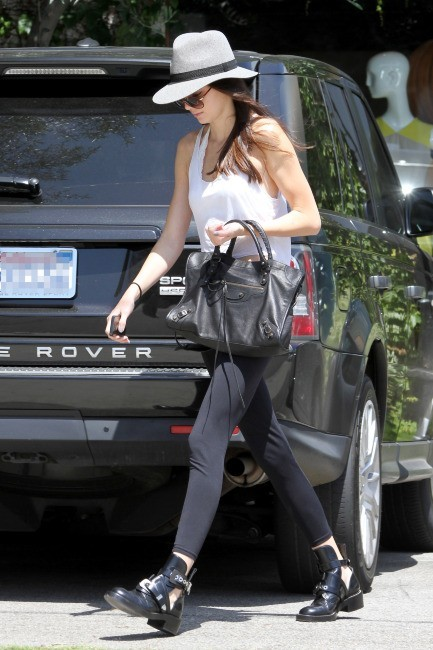 Kendall Jenner en mode incognito à Beverly Hills, le 30 mai 2013.