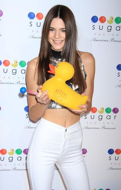 Kendall Jenner lors de la soirée d'inauguration du restaurant Sugar Factory American Brasserie à New York, le 20 juin 2013.
