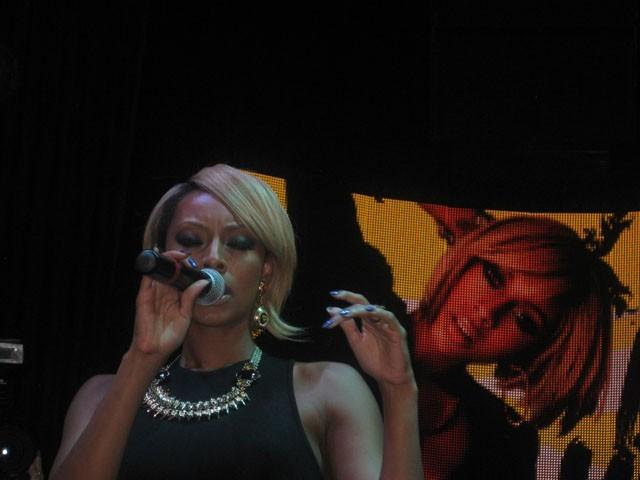 Keri Hilson en showcase au VIP Room Theater à Paris, le 29 septembre 2011.