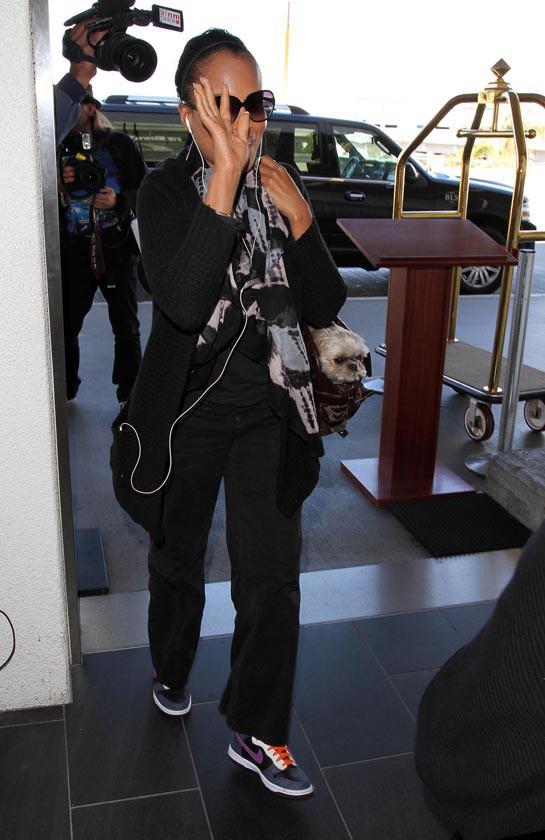 Kerry Washington à l'aéroport de Los Angeles le 28 octobre 2013