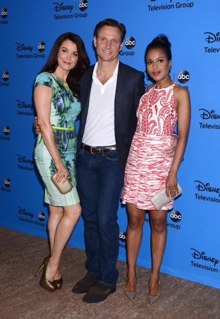Bellamy Young, Tony Goldwyn et Kerry Washington lors de la soirée TCA's Summer Press Tour Disney/ABC party à Los Angeles, le dimanche 4 août 20...