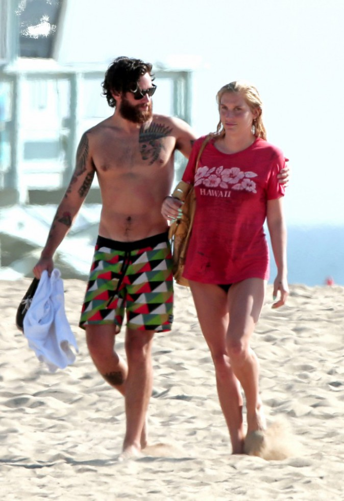 Photos : Kesha : c'est le big love sur la plage de Santa Monica !
