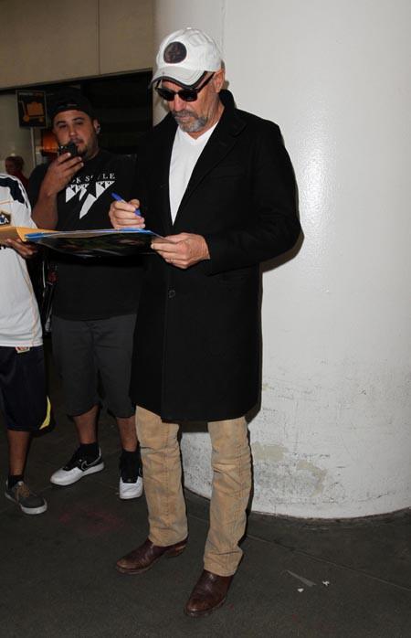 Kevin Costner à l'aéroport de Los Angeles le 4 novembre 2014