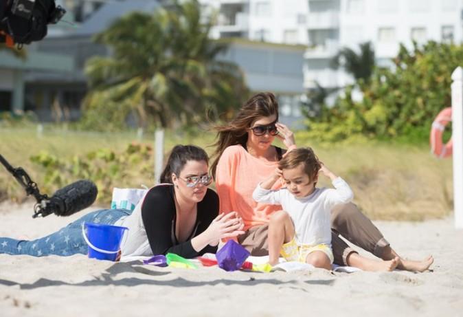 Khloé, Kourtney et Mason Kardashian à Miami le 2 décembre 2012