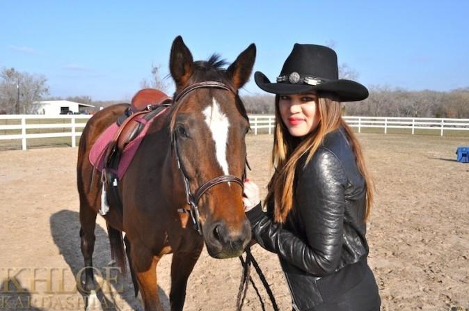 Elle adore les chevaux !