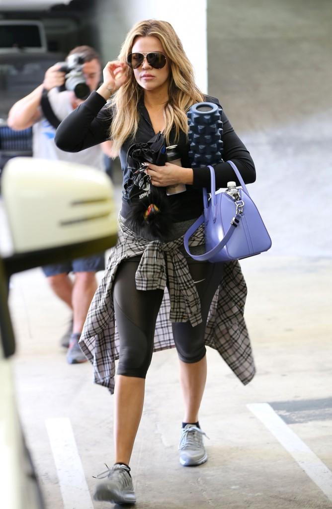 Photos : Khloe Kardashian : au coeur d'une embrouille entre Kourtney et Scott !