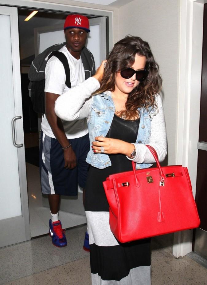 Khloe Kardashian et Lamar Odom arrivant à l'aéroport de Los Angeles, le 19 juin 2012.
