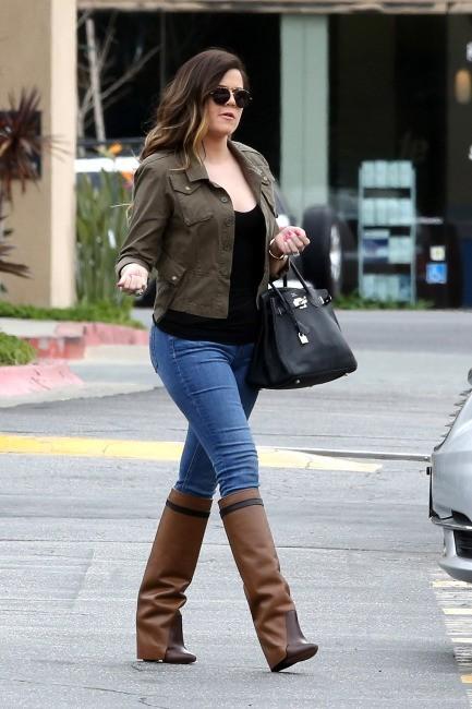 Khloe Kardashian le 7 mars 2013 à Sherman Oaks