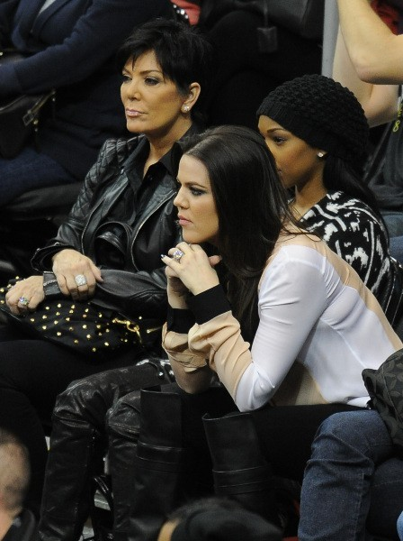 Khloé Kardashian et sa mère sont aux premières loges pour profiter du match