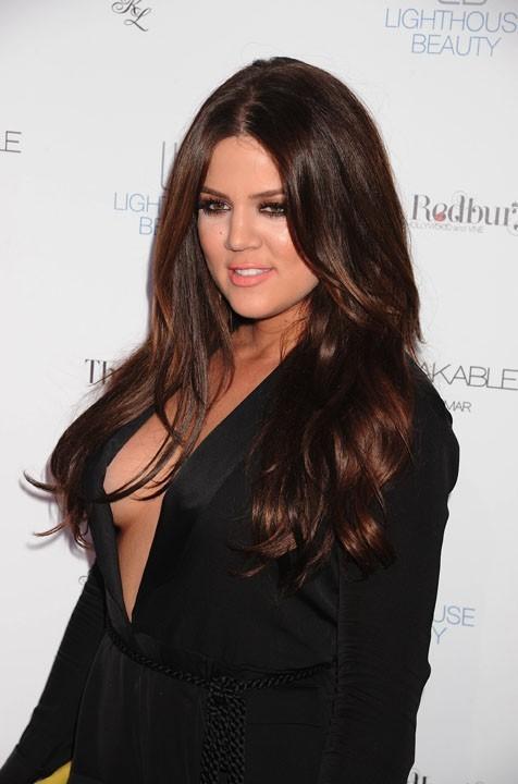 Khloé a les seins moins rebondis que Kim !