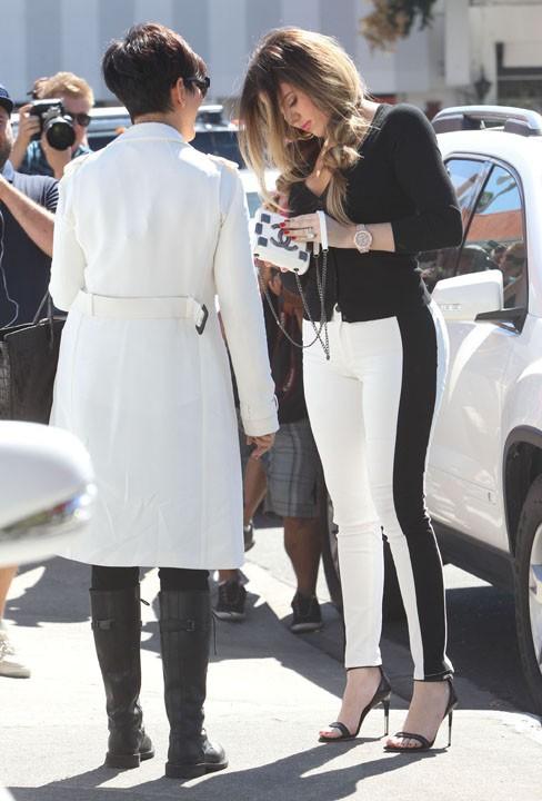 Khloe Kardashian en tournage avec sa maman à Woodland Hills le 30 septembre 2013