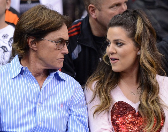 Khloe Kardashian et Bruce Jenner au Staples Center à Los Angeles, le 20 mars 2013.