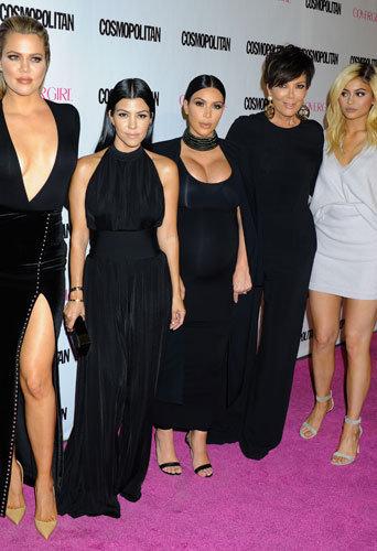 Photos : Khloé, Kourtney et Kim Kardashian, Kris et Kylie Jenner : les sexy girls de sortie !