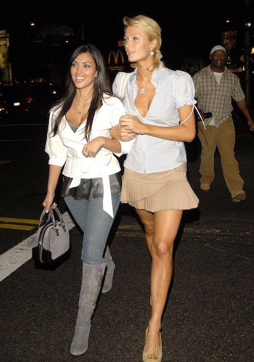 En 2006, elle marche encore dans les pas de Paris Hilton
